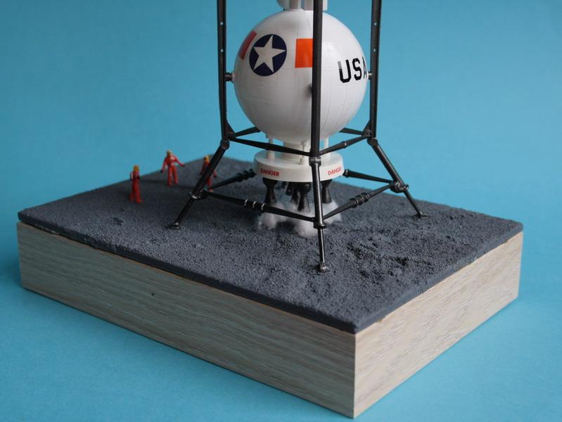 US Moon Ship de chez Lindberg : TERMINE ! ! ! - Page 4 Us_moo70