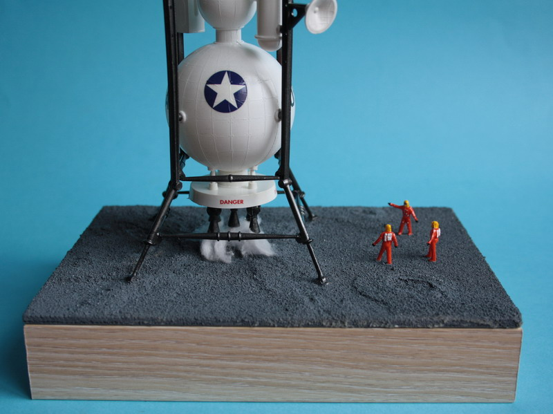 US Moon Ship de chez Lindberg : TERMINE ! ! ! - Page 4 Us_moo72