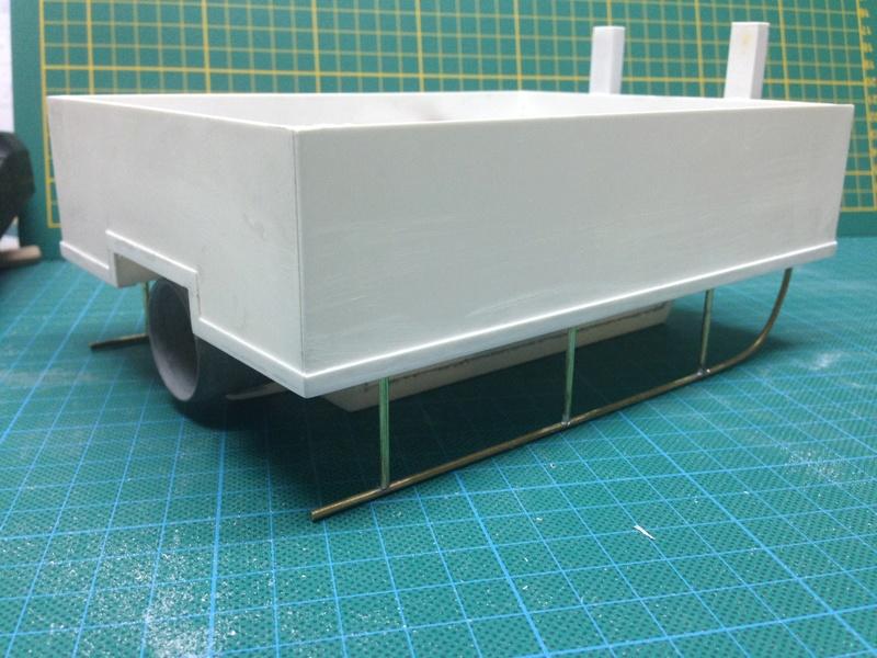 """petit """"Pushboat motorflote"""" réalisé en scratch Img_6411"""