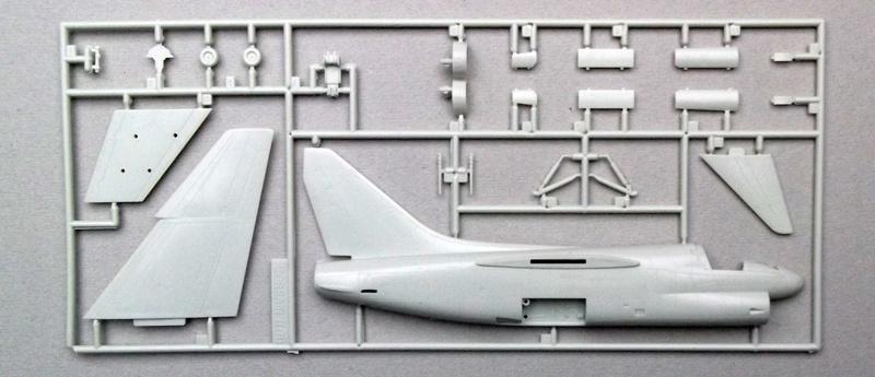 [Chrono 20] Esci - A7B Corsair II Dscf6836