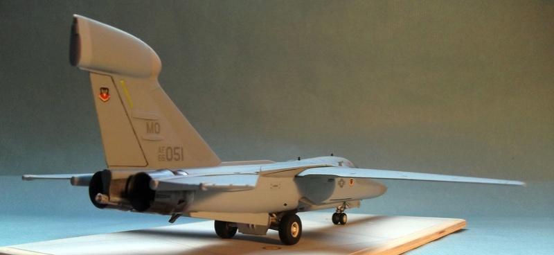 [Monogram] EF 111 Raven - Le corbeau de l'USAF au 1/72 Dscf7139