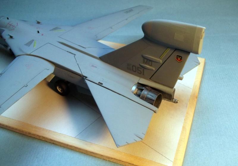 [Monogram] EF 111 Raven - Le corbeau de l'USAF au 1/72 Dscf7142