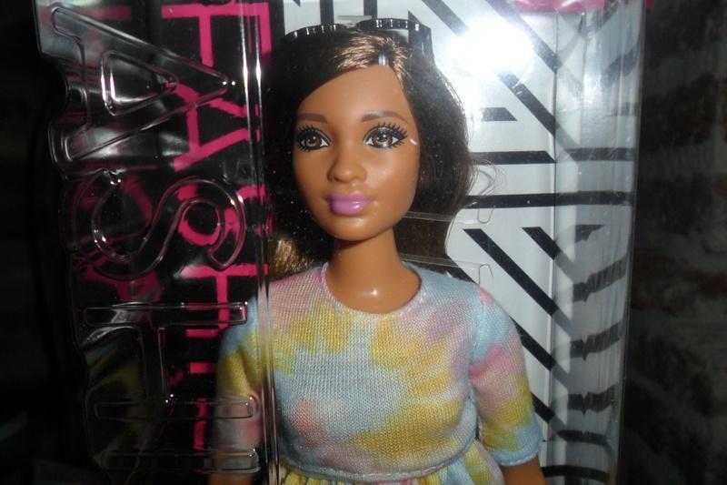 Mon premier amour poupesque : Barbie (Marni Senofonte, X Files et fashionistas) - Page 4 Sam_6323