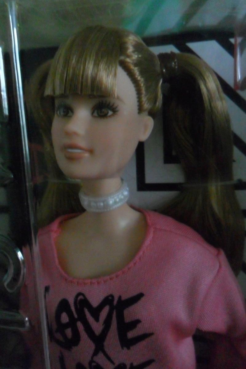 Mon premier amour poupesque : Barbie (Marni Senofonte, X Files et fashionistas) - Page 4 Sam_6327