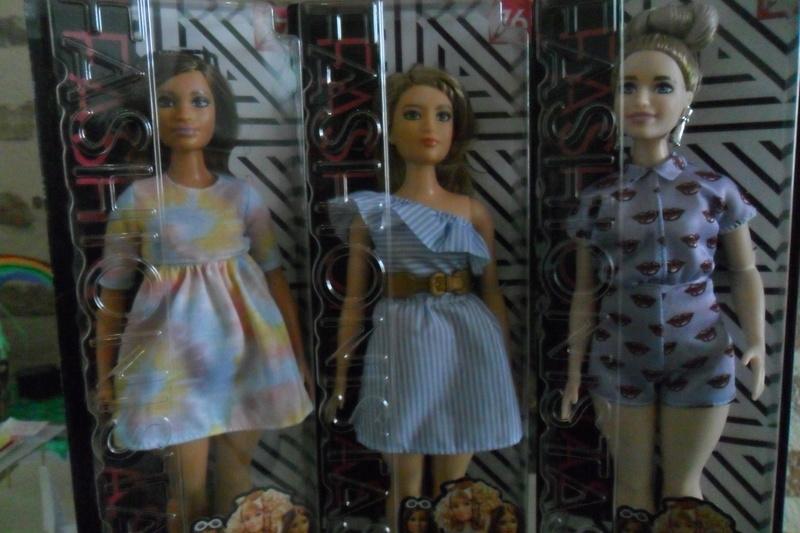 Mon premier amour poupesque : Barbie (Marni Senofonte, X Files et fashionistas) - Page 4 Sam_6329