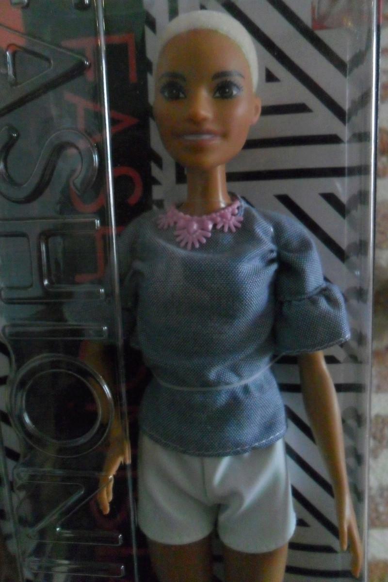 Mon premier amour poupesque : Barbie (Marni Senofonte, X Files et fashionistas) - Page 4 Sam_6330