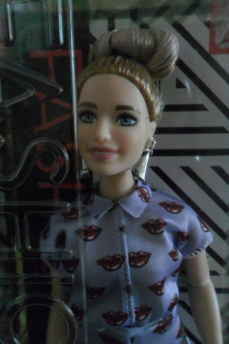 Mon premier amour poupesque : Barbie (Marni Senofonte, X Files et fashionistas) - Page 4 Sam_6331