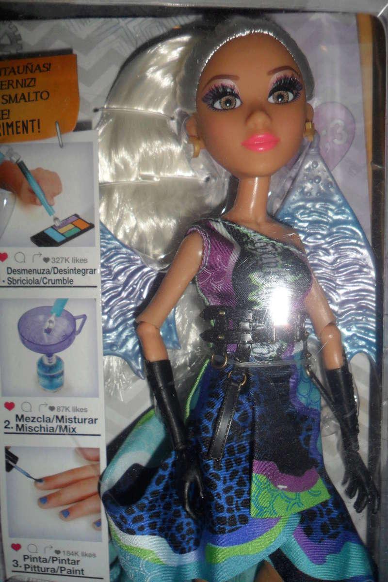 Parce qu'il n'y a pas que Barbie dans ma vie de collectionneuse ! Snapstar et Lol OMG Sam_6340