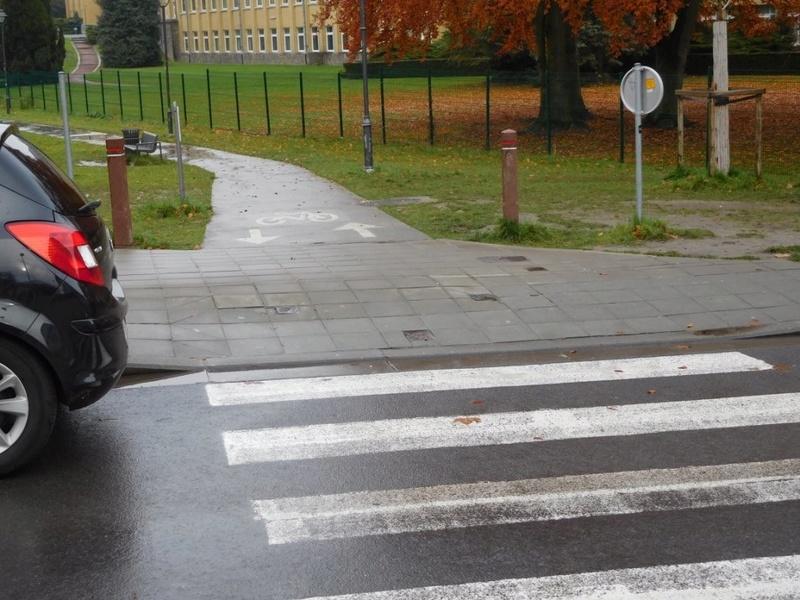 """1-02 La """"Fake Piste"""" de l'Avenue du gouverneur Cornez 26172211"""