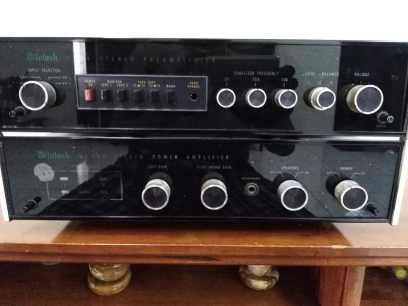 Mcintosh C504 & MC502 pre and power amplifier. Sold Mcinto11