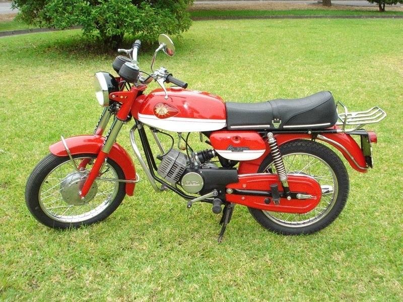 Quatre motos de plus... Efs-2211