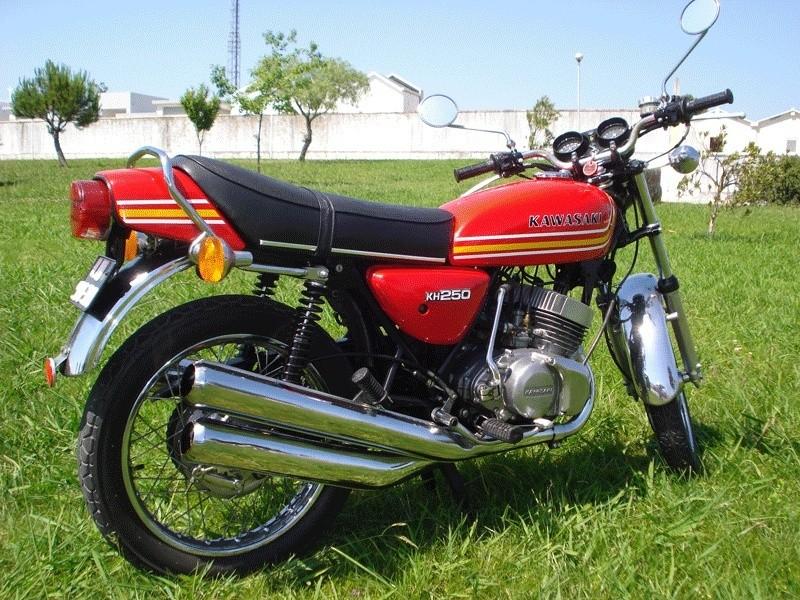 Quatre motos de plus... Kawasa11
