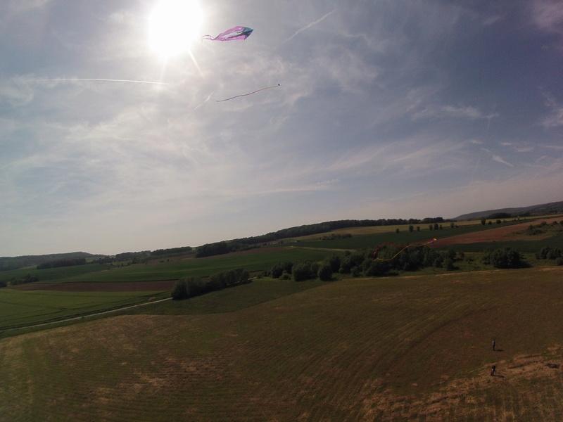Into the sky (nos photos, nos vidéos) G0070210