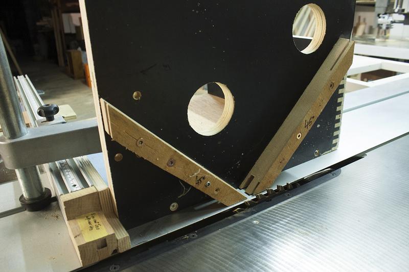 [Fabrication] Boite à chutes pour allumer le feu 01910