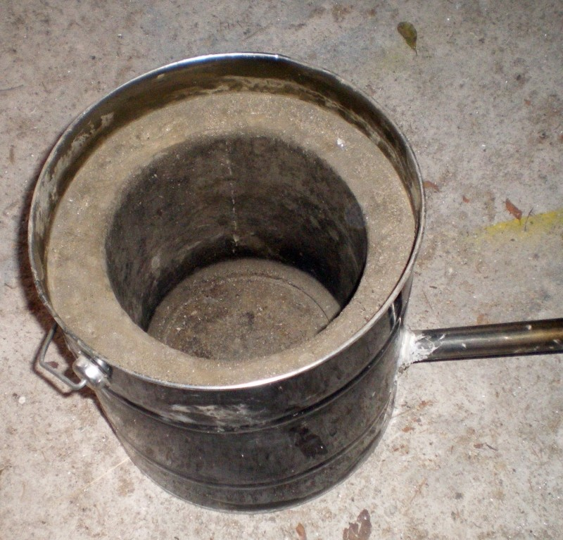 Fabrication d'un petit four pour fonte de l'aluminium Imgp0212