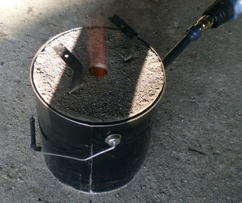 Fabrication d'un petit four pour fonte de l'aluminium - Page 2 Imgp0237