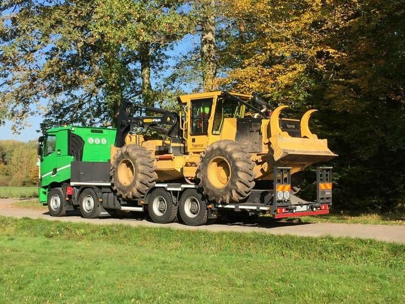 Transports de tracteurs forestier - Page 3 25105614
