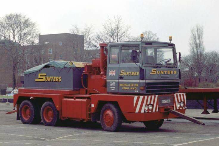 Titan Tractomas ou autres camions spéciaux. 25188212