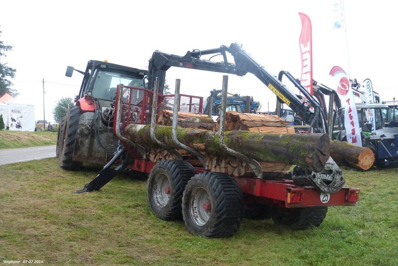 Tracteurs agricoles équipées forestier P1340235