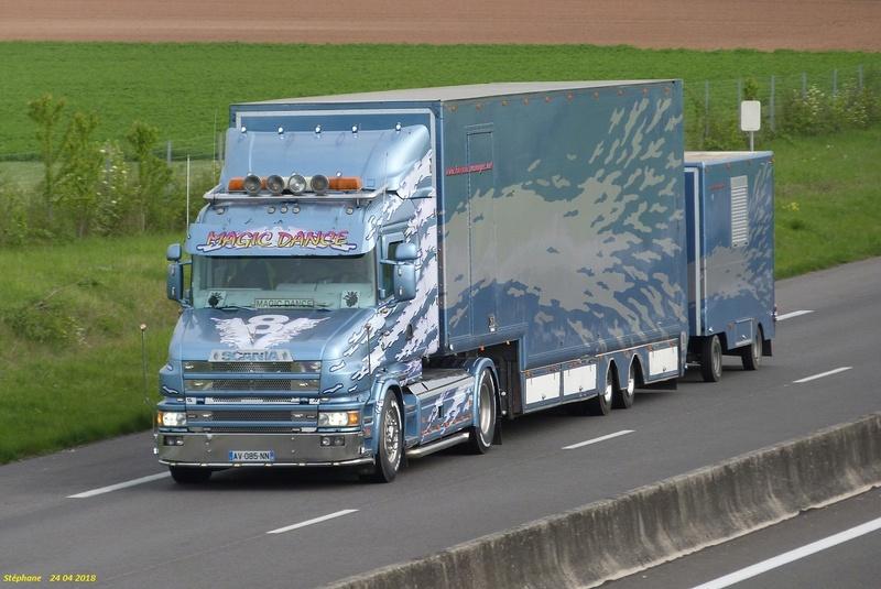 Les Camions des forains - Page 6 P1420346