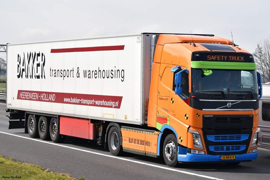 Bakker Transport & Warehousing (Heerenven) Smart390