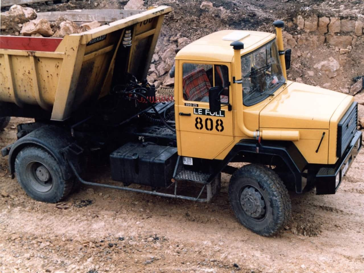 Iveco à capot  Smart446