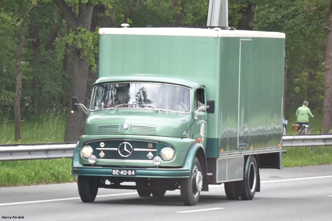 Mercedes (cabine a capot) - Page 2 Smart863