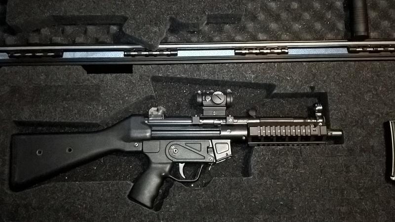 Pelican/Hardigg storm case pour MP5 472-pw11
