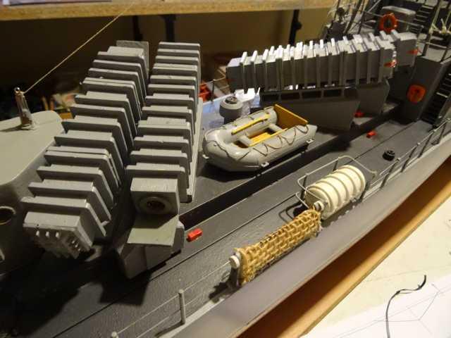 """Le patrouilleur lance-missiles """"P6141"""" Dsc08018"""