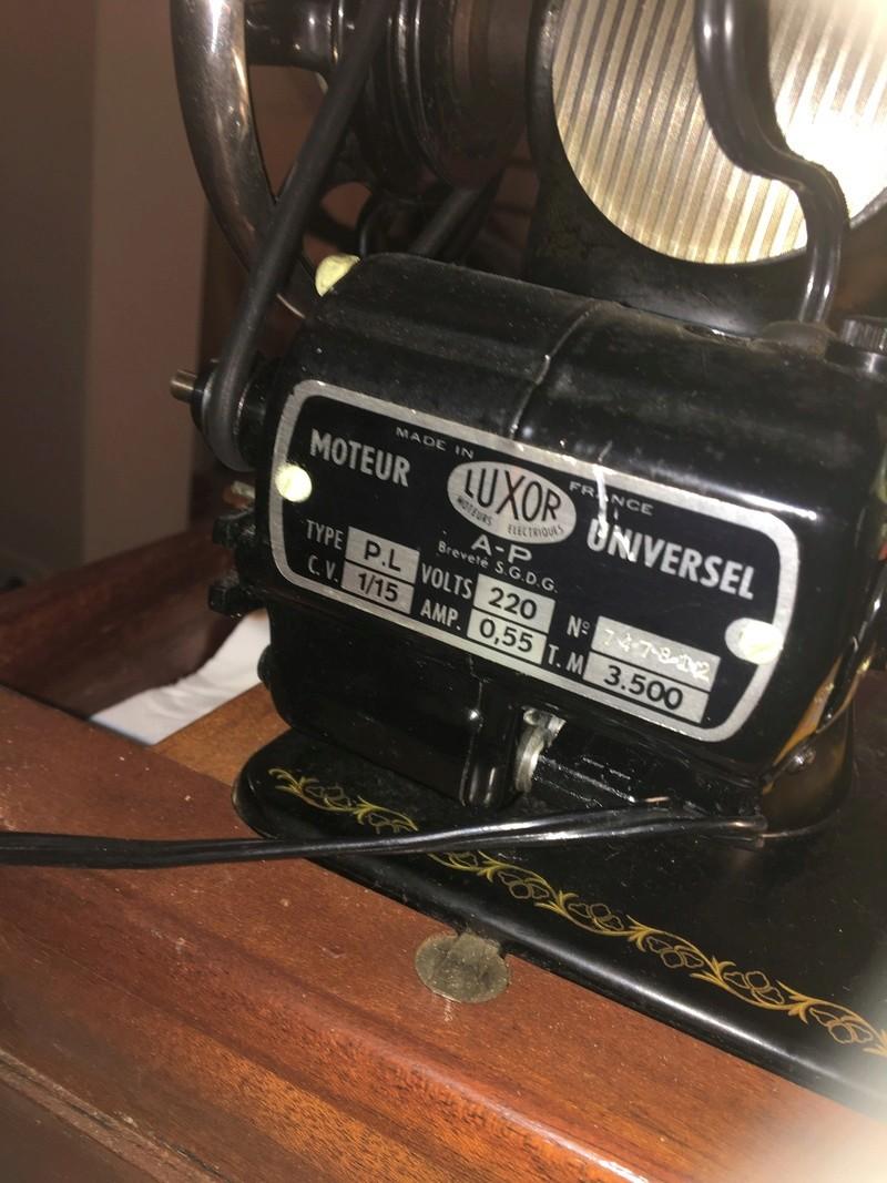 Pédale pour machine à coudre Singer 1960 Img-2410
