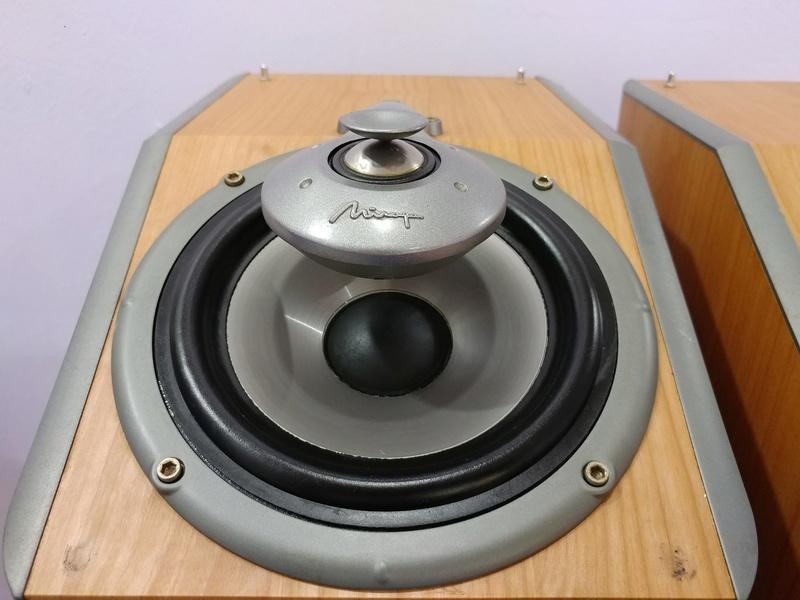 Mirage Canada OMNI 260  2.5 ways Omnipolar Floorstanding Speaker 20171224