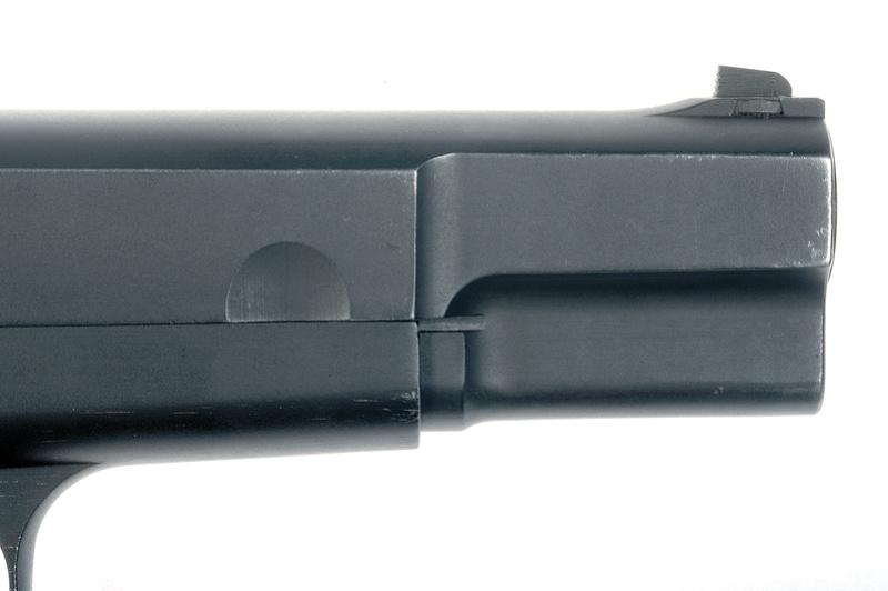 Pistolet  Browning GP No1 MK I* de fabrication canadienne et la crosse en bois _dsc5014