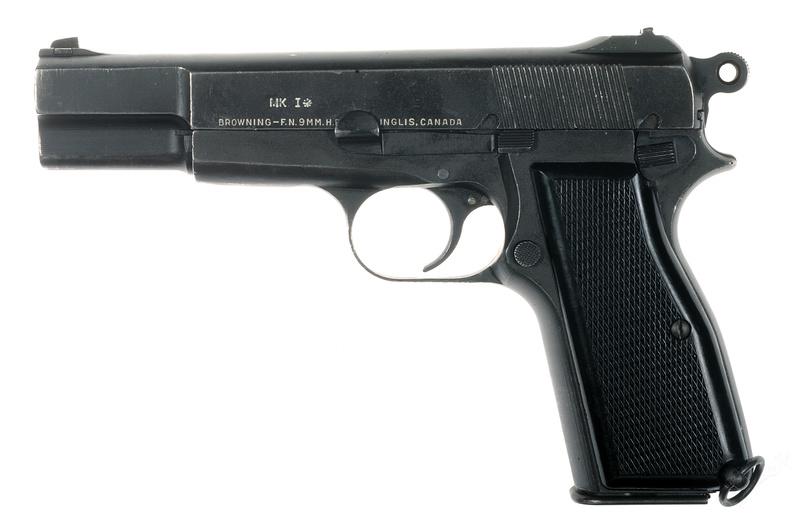 Pistolet  Browning GP No1 MK I* de fabrication canadienne et la crosse en bois _dsc5016