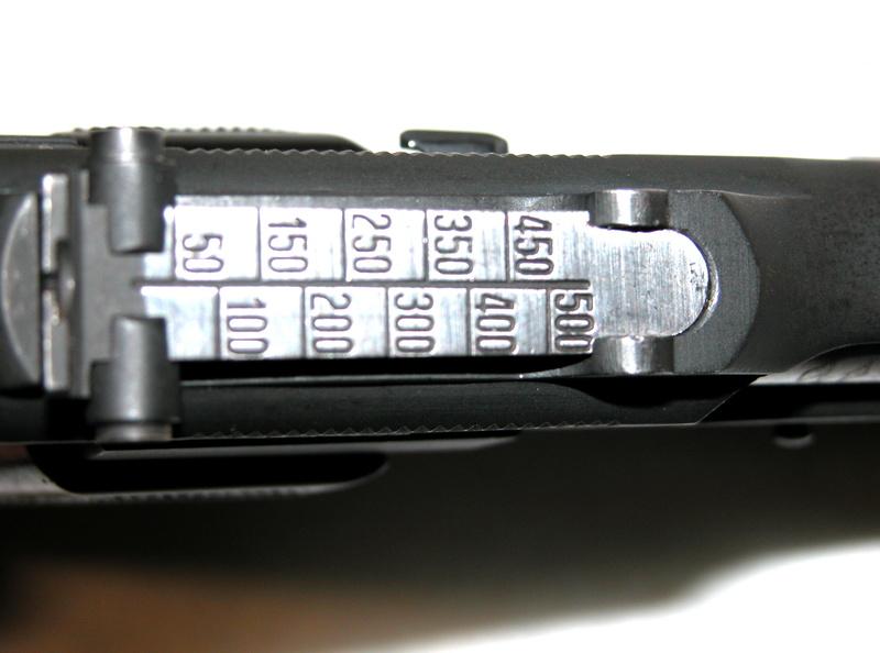 Pistolet  Browning GP No1 MK I* de fabrication canadienne et la crosse en bois Dscn3111