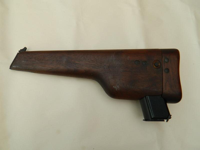Pistolet  Browning GP No1 MK I* de fabrication canadienne et la crosse en bois Gp_ing11