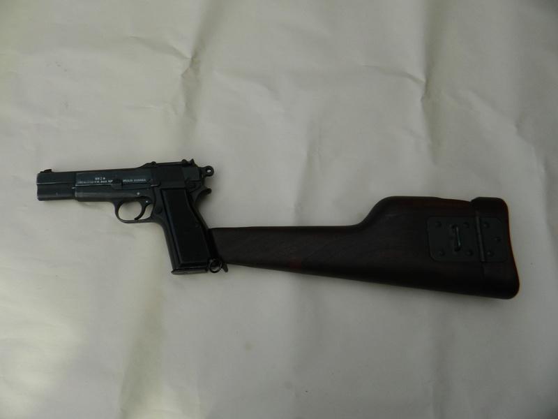 Pistolet  Browning GP No1 MK I* de fabrication canadienne et la crosse en bois Gp_ing14