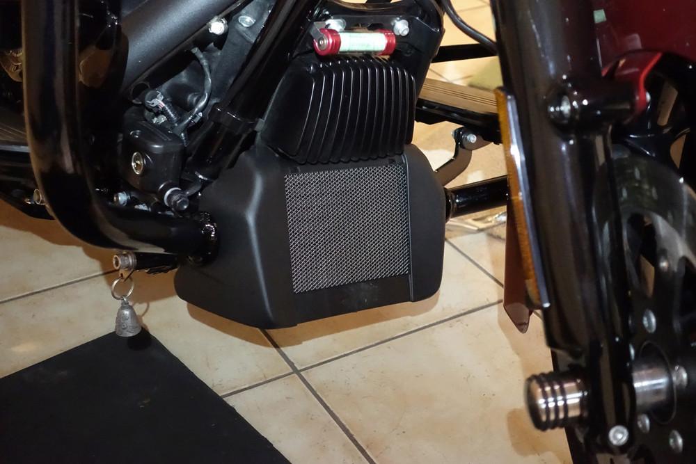 Tuto, grille radiateur d'huile M8 Dsc01137