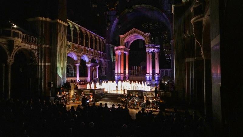 Concert à la cathédrale de Westminster (initialement St George's) le 1er décembre 2017 - Page 4 25299810