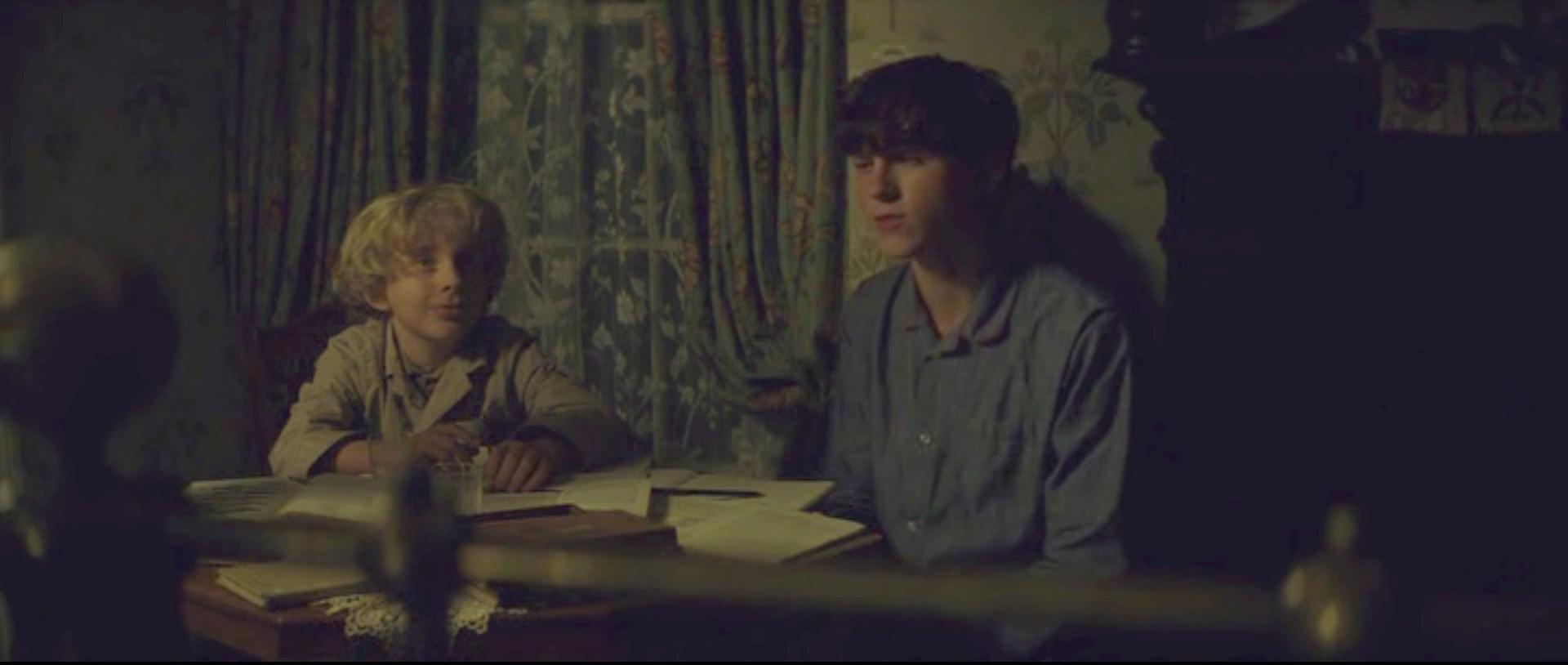 [ACTUEL] Nathaniel Bates-Fisher Sans_t13