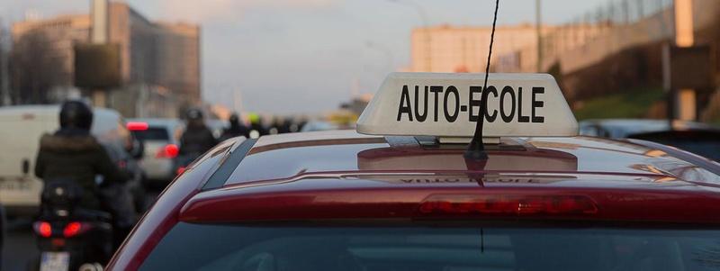 Le gouvernement annonce une aide de 500 euros au permis de conduire pour les apprentis de plus de 18 ans 14343410
