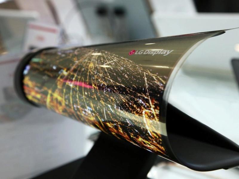 LG propose un prototype de téléviseur enroulable Cover-14
