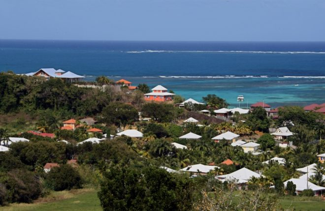 Tourisme : plus d'un million de visiteurs en Martinique en 2017, record historique Eb3de210