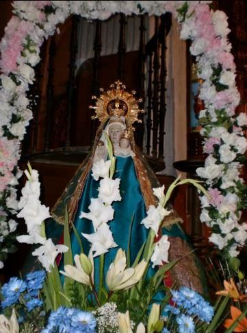 Les apparitions de la Très Sainte Vierge Marie dans le monde - Page 2 Alaexo11