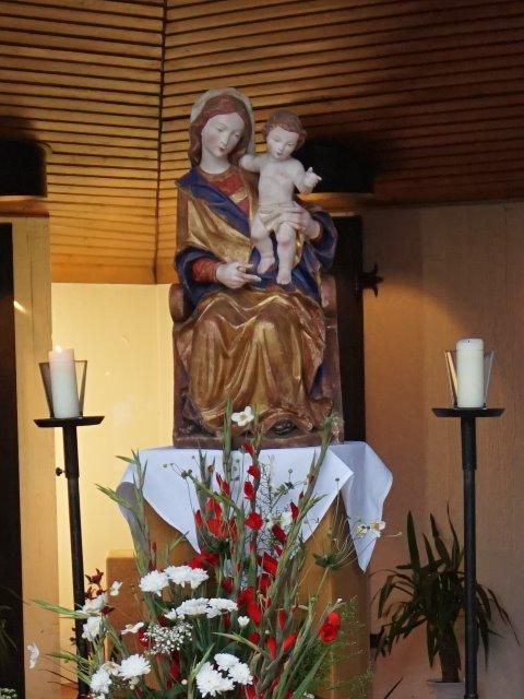 Les apparitions de la Très Sainte Vierge Marie dans le monde Herfor10