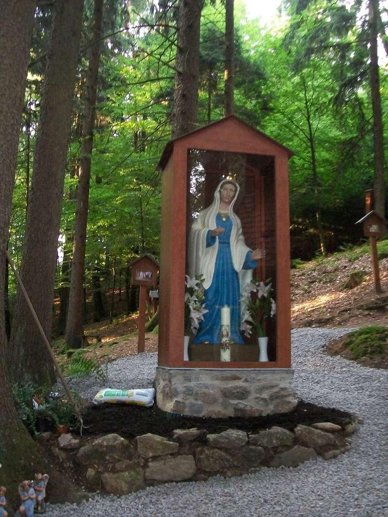 Les apparitions de la Très Sainte Vierge Marie dans le monde Metten10