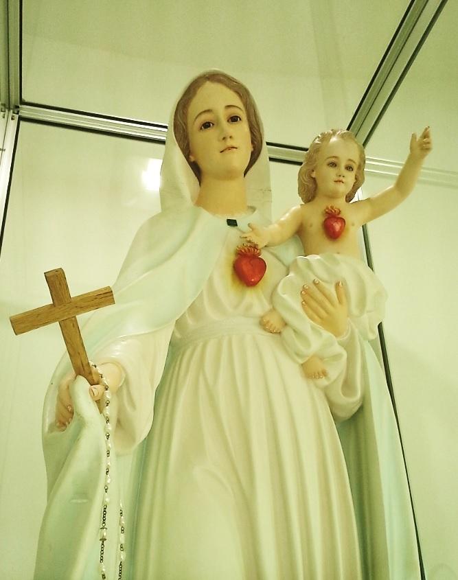 Les apparitions de la Très Sainte Vierge Marie dans le monde - Page 2 Onuva_10
