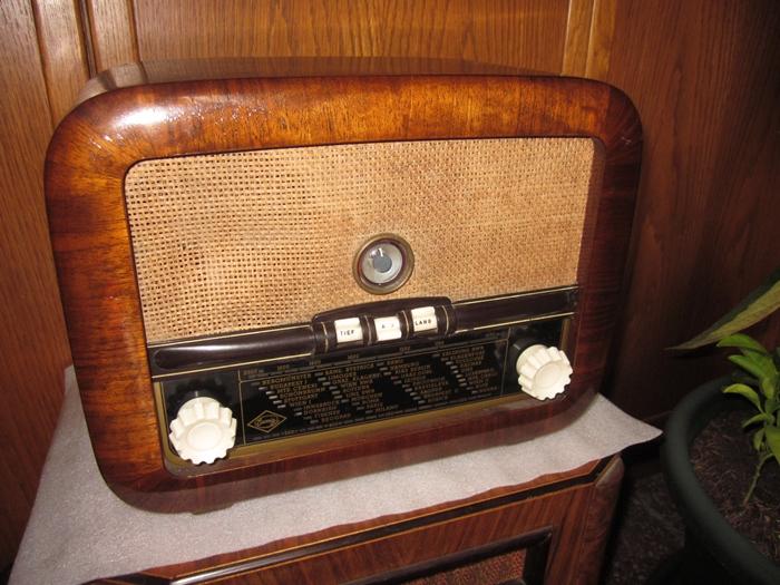 Ламповые радиоприёмники деда Панфила - Страница 17 Eumig10