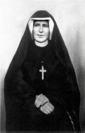 Sainte Faustine : Tout passera, mais Sa Miséricorde n'a ni bornes, ni limites Fausty10