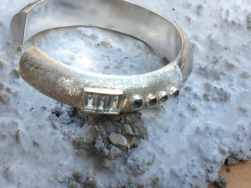 bracelet rétreinte topaze Img_2710