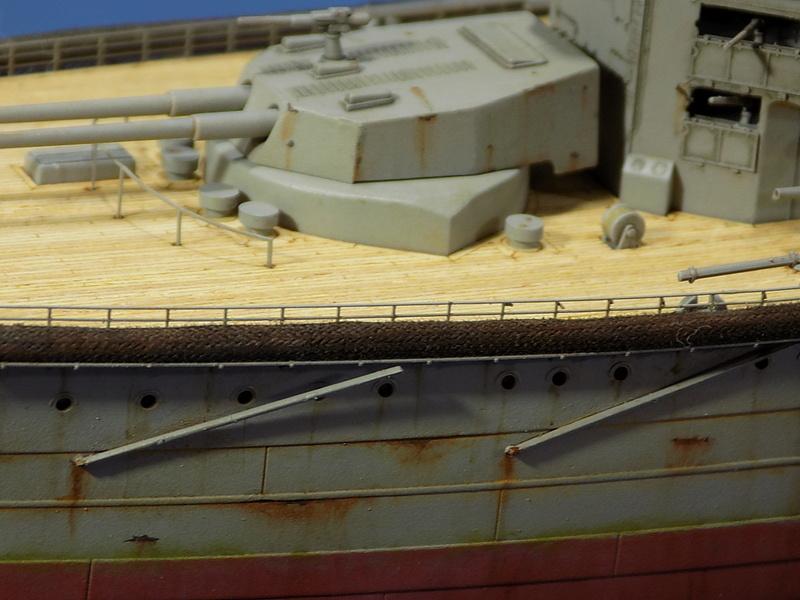 HMS Lord Nelson 1906 (Hobby Boss 1/350°) de horos Dscn1066